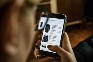 Benefits of selling used clothes online
